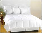 100 % Microfiber Aquaplush Light Weight Comforter